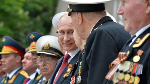 CRIMEA-UKRAINE-RUSSIA-POLITICS-CRISIS-HISTORY-WWII