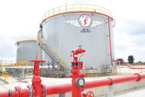 President declares open the Fuel Hydrant System and Aviation Refuelling Terminal at MRIA